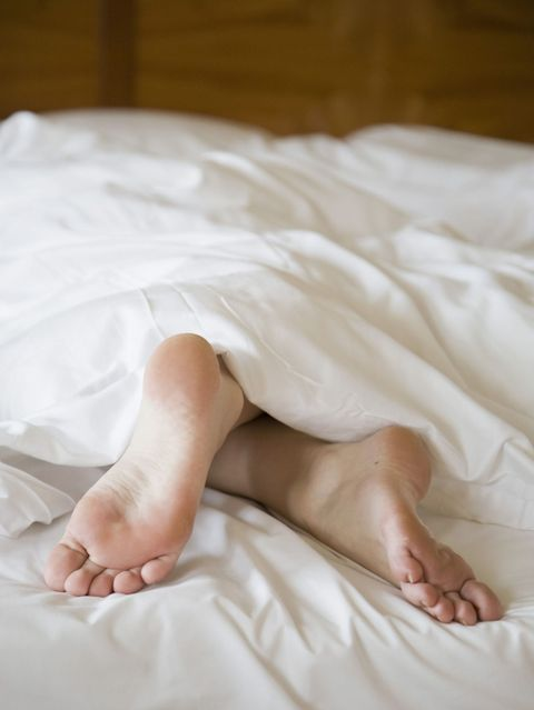 Comfort, Skin, Toe, Barefoot, Textile, Linens, Sole, Foot, Bedding, Bed,