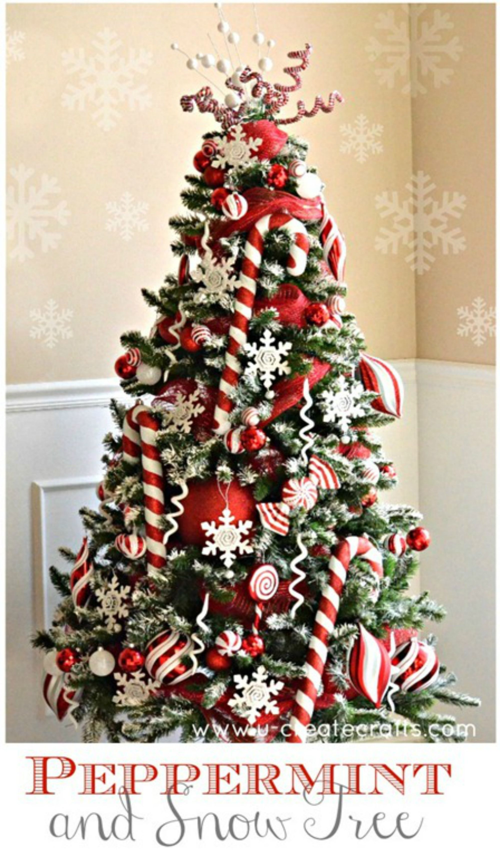 33 Unique Christmas Tree Decoration Ideas - Pictures of Decorated Christmas Trees