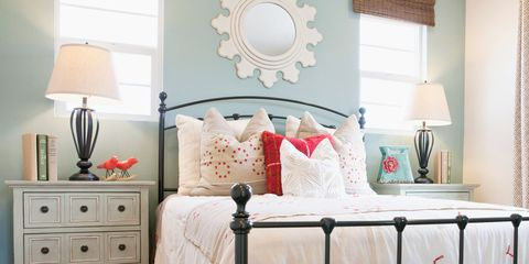 Guest Room Ideas - What to Put in a Guest Room