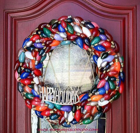 Wreath, Interior design, Christmas decoration, Ornament, Christmas ornament, Holiday ornament, Oval,