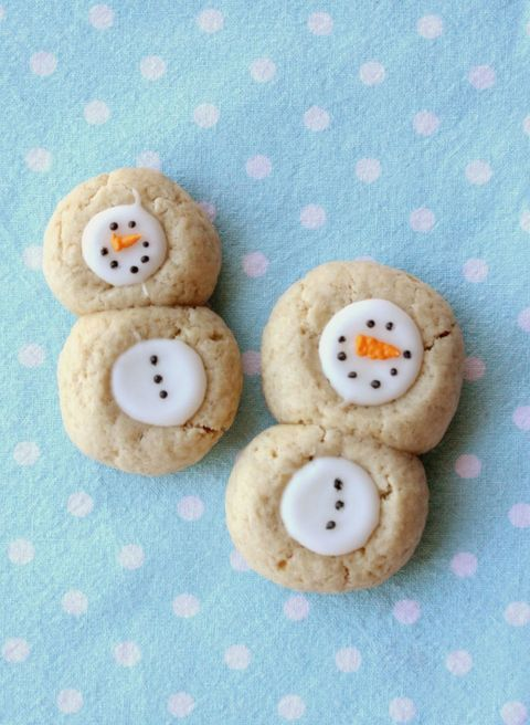 Thumbprint Snowman Cookies  Get recipe from In Katrina's Kitchen