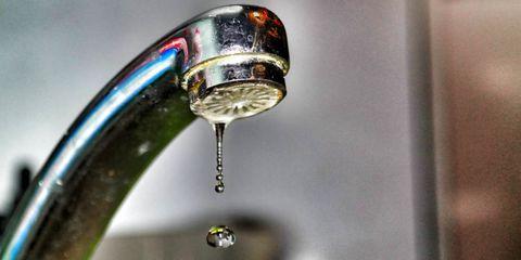 Liquid, Fluid, Plumbing fixture, Tap, Drop, Macro photography, Sink, Plumbing, Close-up, Moisture,