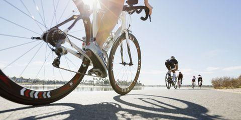 Bicycle tire, Wheel, Tire, Bicycle wheel, Bicycle wheel rim, Mode of transport, Bicycle frame, Bicycle part, Bicycle, Land vehicle,