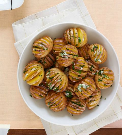 Recipe for mini hasselback potatoes with chive butter