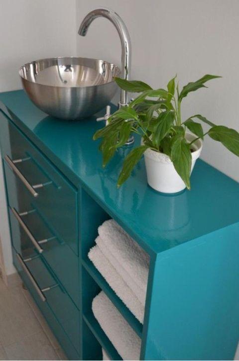 Green, Room, Wall, Teal, Turquoise, Aqua, Plumbing fixture, Cabinetry, Azure, Sink,