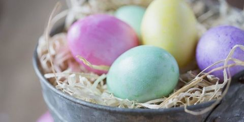 Ingredient, Egg, Egg, Oval, Nest, Bird nest, Easter egg, Produce, Whole food, Easter,