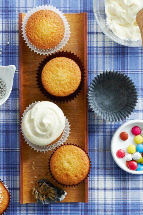vanilla cupcakes easy cupcake recipes