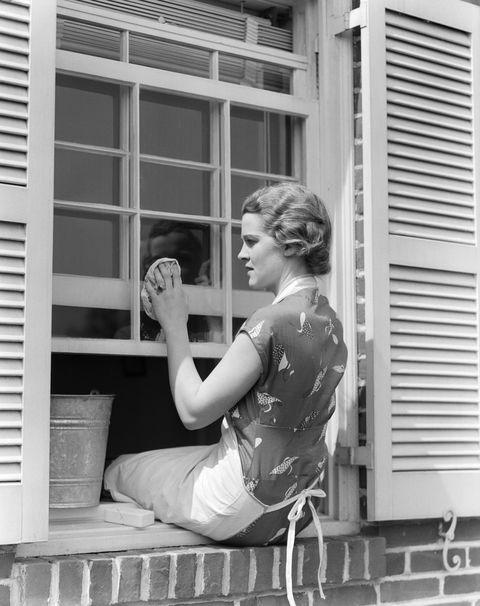 Elbow, Style, Wrist, Monochrome, Monochrome photography, Knee, Window covering, Black-and-white, Thinking, Window treatment,