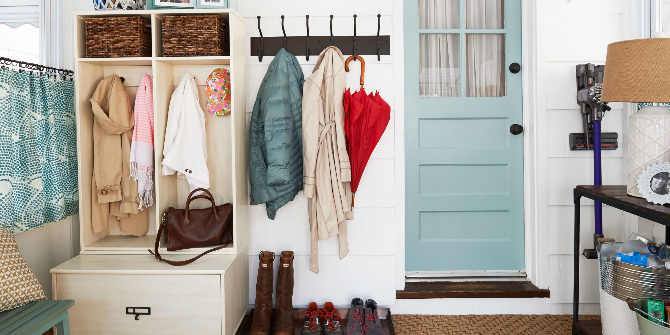 Learn The Best Strategies For Keeping Your Entryway Pretty Yet