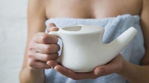 Finger, Serveware, Skin, Dishware, Hand, Joint, Drinkware, Porcelain, Ceramic, Pottery,