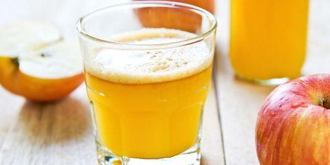 Drink, Yellow, Tableware, Alcoholic beverage, Liquid, Beer, Drinkware, Ingredient, Amber, Serveware,