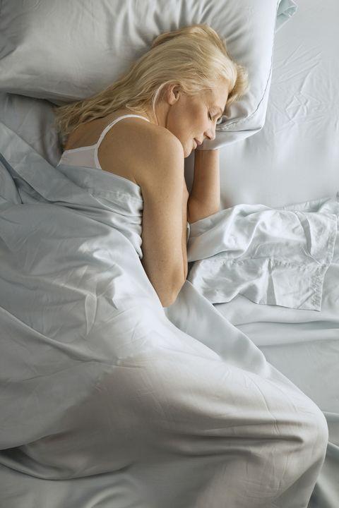 Comfort, Shoulder, Textile, Elbow, Linens, Bedding, Blond, Bed sheet, Model, Gown,