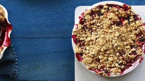 apple sour cream crisp with walnuts and chocolate chips