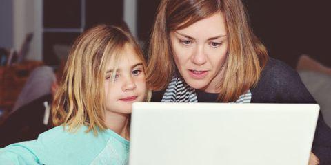 Nose, Eye, Eyelash, Laptop part, Electronic device, Laptop, Blond, Computer, Brown hair, Step cutting,