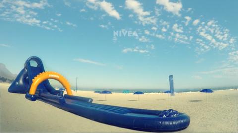 Blue, Cloud, Horizon, Azure, Aqua, Watercraft, Cumulus, Inflatable boat, Wind, Inflatable,