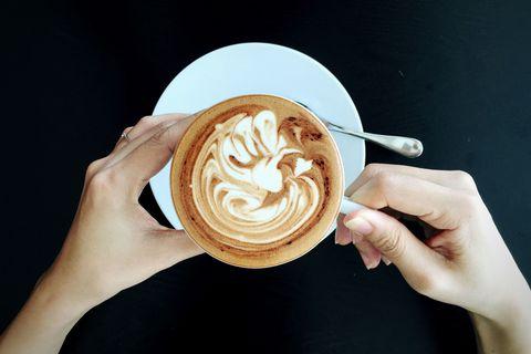 Cup, Serveware, Finger, Drinkware, Single-origin coffee, Caffè macchiato, Espresso, Drink, Flat white, Coffee,