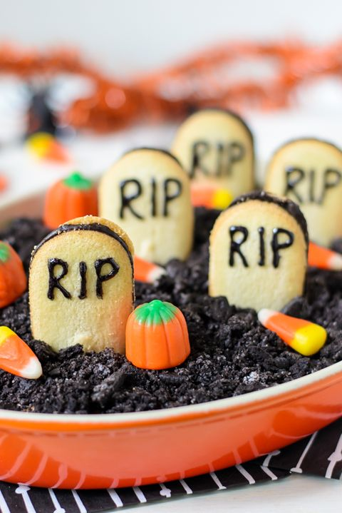 halloween party food graveyard chocolate cheesecake dip