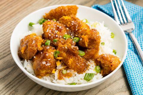 Food, Green, Dishware, Fried food, Dish, Tableware, Recipe, Chicken meat, Cutlery, Meat,
