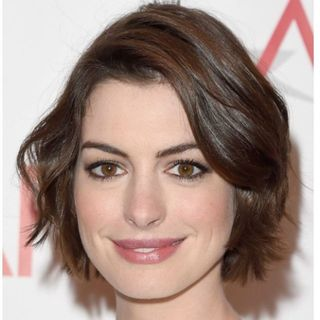 12 Best Hairstyles For Round Faces - Easy Haircut Ideas for Round ...