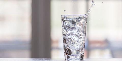 Liquid, Fluid, Drinkware, Glass, Tableware, Drink, Barware, Transparent material, Highball glass, Distilled beverage,