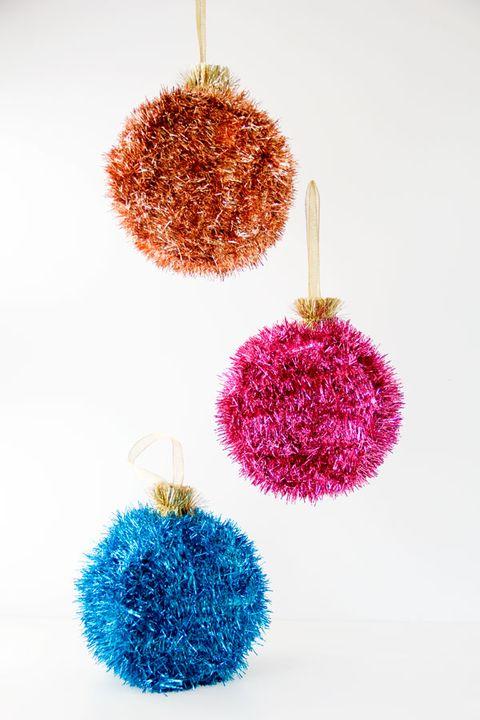 32 homemade diy christmas ornament craft ideas how to make holiday courtesy of studio diy ornament piatas solutioingenieria Gallery