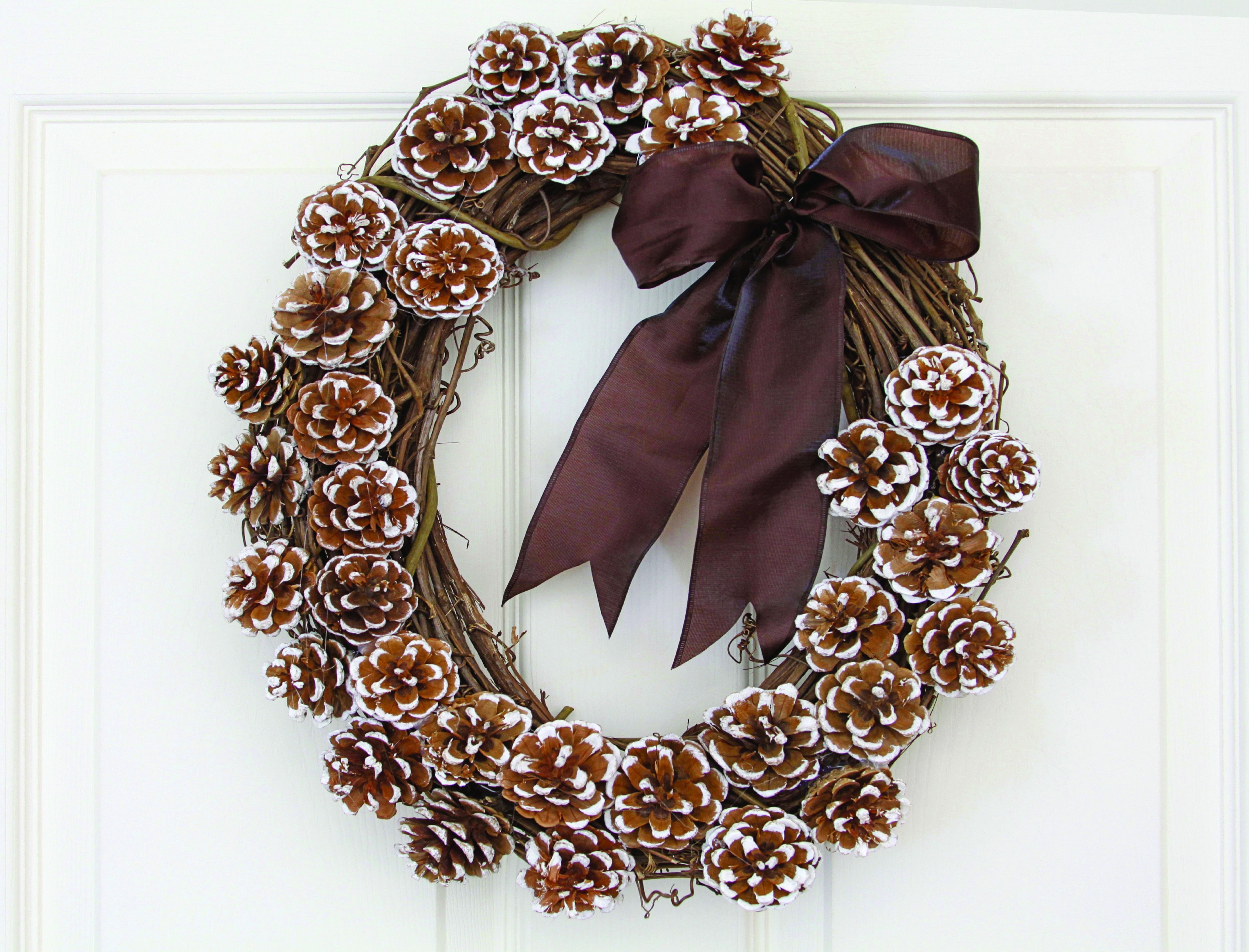 40 diy christmas wreath ideas how to make a homemade holiday wreath womansdaycom - Wire Wreath Frame With Ties