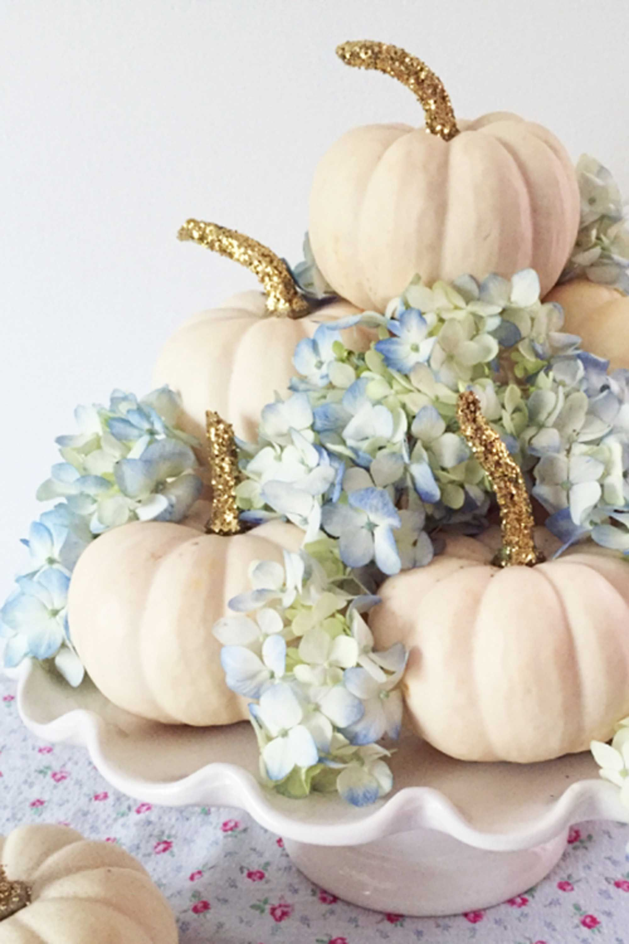 40 Fall and Thanksgiving Centerpieces - DIY Ideas for Fall Table ...