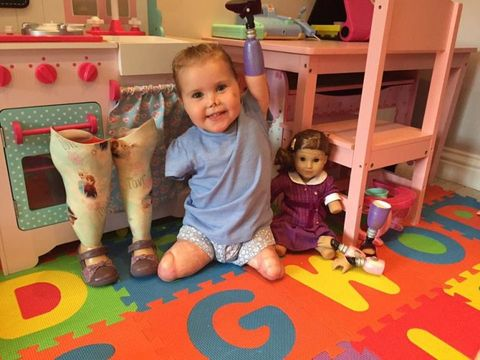 Human, Human body, Floor, Flooring, Room, Child, Mammal, Baby & toddler clothing, Home, Toddler,