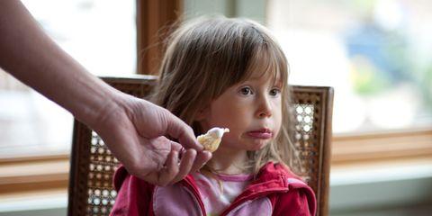 Finger, Eye, Hand, Child, Eating, Toddler, Thumb, Food craving, Taste, Snack,