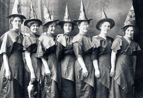 Hat, Headgear, Costume accessory, Vintage clothing, Costume hat, Retro style, Victorian fashion, Fashion design, Fedora, Costume design,