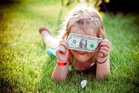 Skin, Hand, People in nature, Banknote, Cash, Sunlight, Cameras & optics, Nail, Blond, Money,