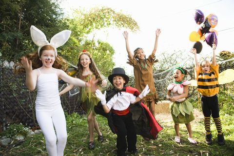 People in nature, Costume accessory, Sun hat, Costume, Mythical creature, Dance,