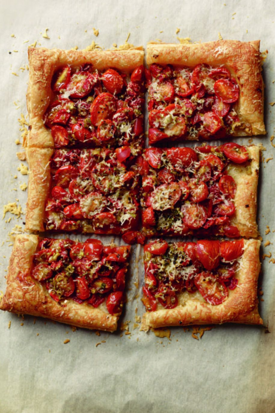 Christmas Appetizers Roasted Tomato and Garlic Tart