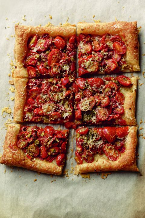 christmas appetizers roasted tomato and garlic tart - Simple Christmas Appetizers