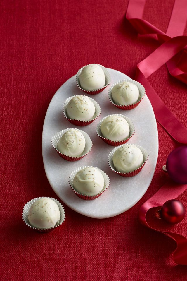 57 easy christmas dessert recipes best ideas for fun holiday sweets solutioingenieria Image collections