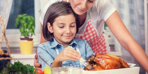 Flowerpot, Happy, Turkey meat, Sharing, Tableware, Hendl, Roast goose, Cooking, Cocktail, Chicken meat,