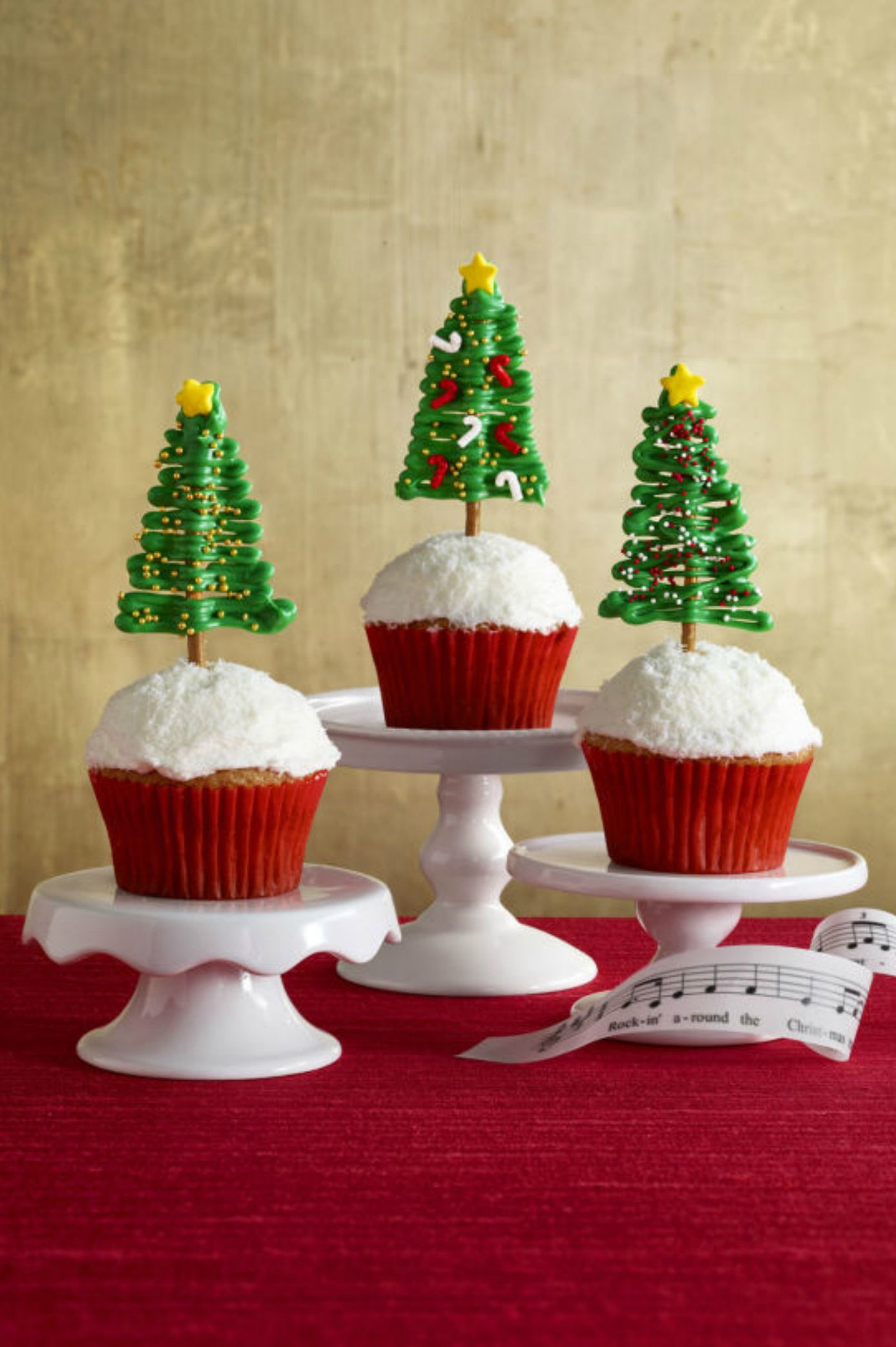 25 Cute Christmas Cupcake Ideas Easy Recipes And Decorating Tips