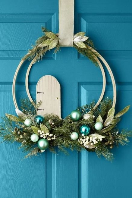 48147f338c4 45 DIY Christmas Wreath Ideas - How To Make a Homemade Holiday ...