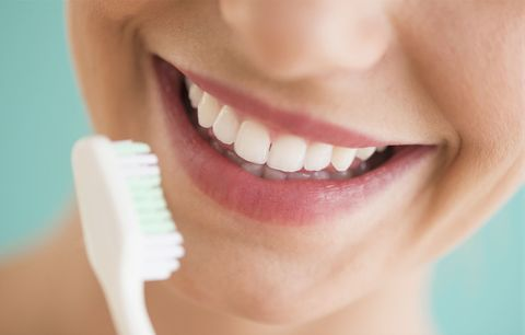 does black toothpaste work whitening teeth with black toothpaste