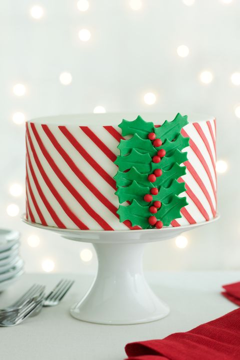 Dishware, Red, Serveware, Carmine, Sweetness, Confectionery, Christmas, Dessert, Party supply, Holiday,