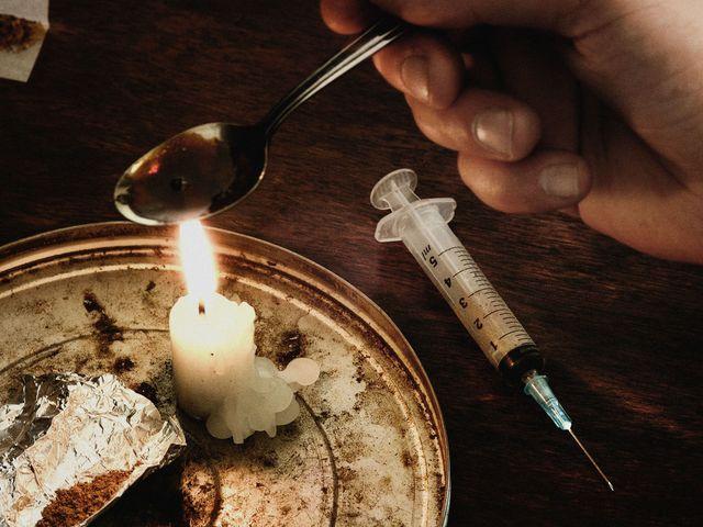 Preludio da Loucura: Capitulo 1- Los Angeles Sd-aspect-1481052725-landscape-heroin-abuse1