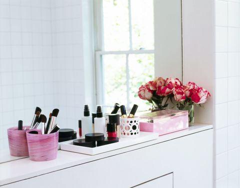 Petal, Pink, Room, Flower, Fixture, Magenta, Cabinetry, Lipstick, Window covering, Flower Arranging,