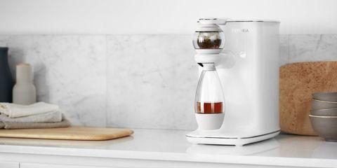 Liquid, Small appliance, Fluid, Ingredient, Kitchen appliance, Food processor, Home appliance, Mixer, Juicer, Kitchen appliance accessory,