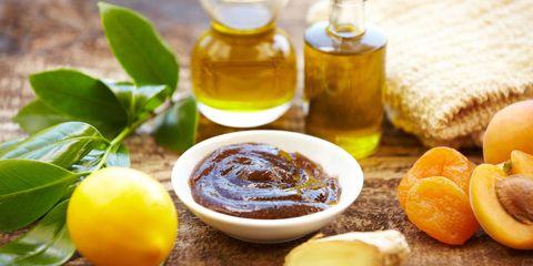 Fluid, Liquid, Yellow, Serveware, Food, Ingredient, Drink, Drinkware, Oil, Tableware,