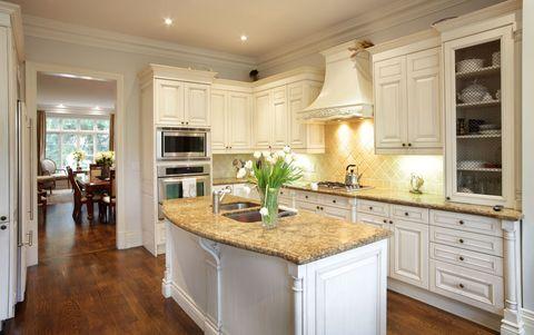 Wood, Room, Floor, Interior design, Property, Flooring, Home, Ceiling, Drawer, Interior design,