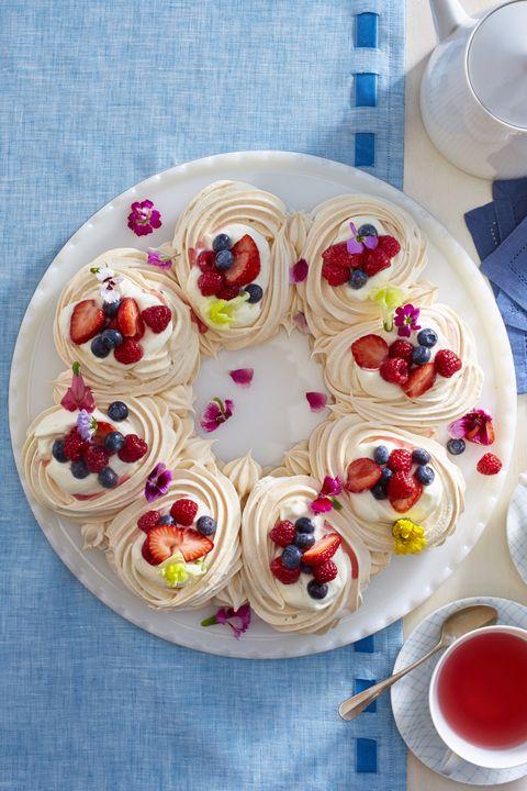strawberry desserts   meringue wreath