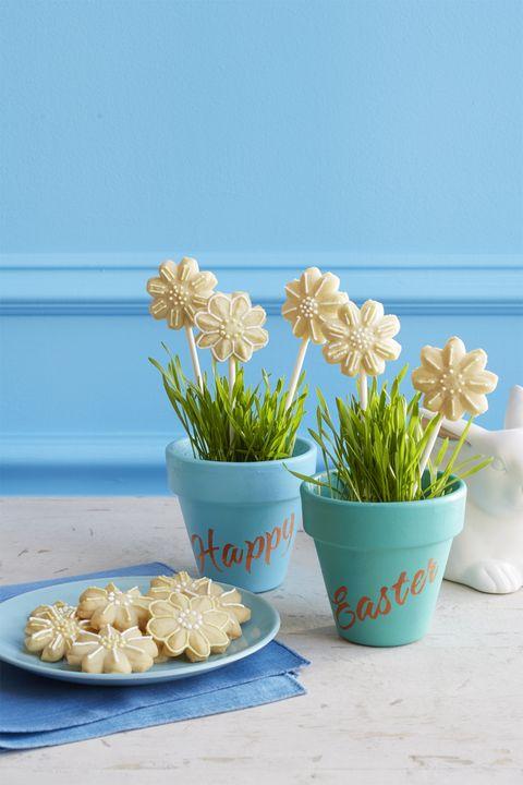 easter desserts - spritz daisy cookies