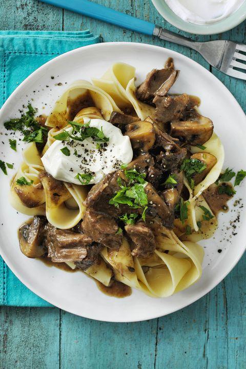 stroganoff-style-beef-stew-wd-0417