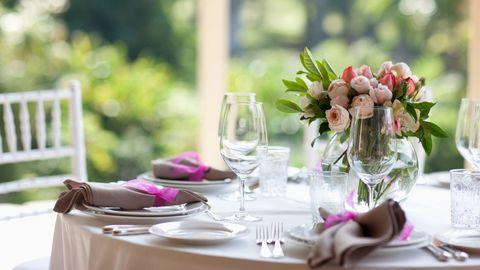 Serveware, Tablecloth, Glass, Dishware, Drinkware, Stemware, Pink, Tableware, Linens, Furniture,