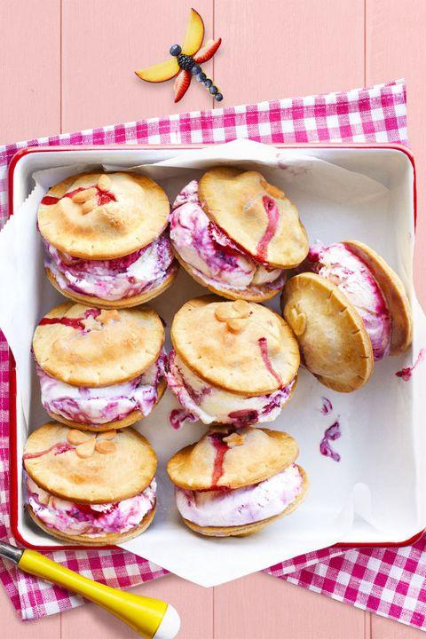 strawberry desserts - Fresh Berry Ice Cream Piewiches